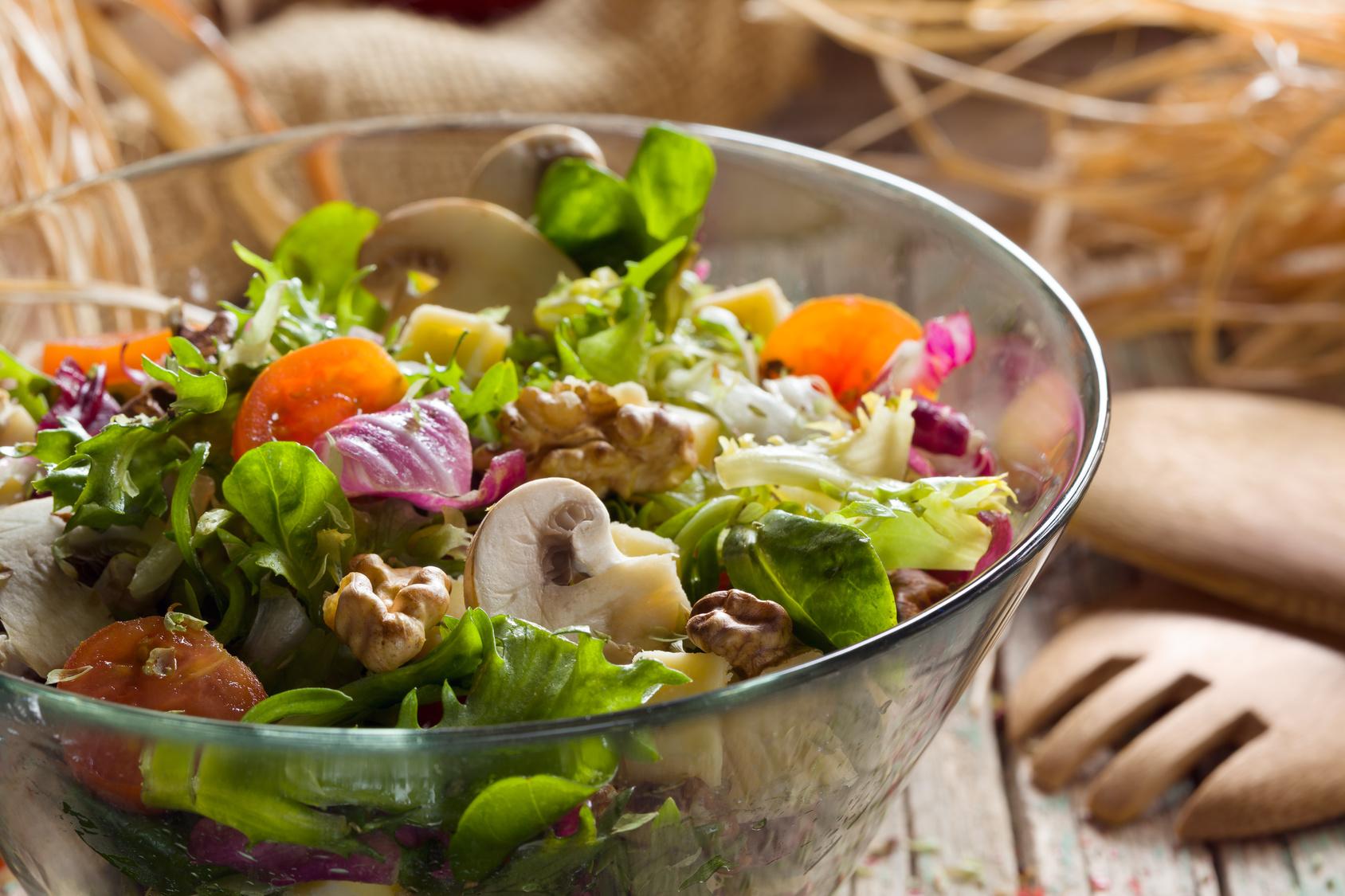 Les salades de la mer rafraîchissent l'été